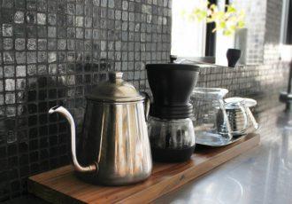 食器棚の空間を有効に使う方法